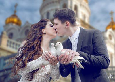 bride-and-groom-with-dove-W